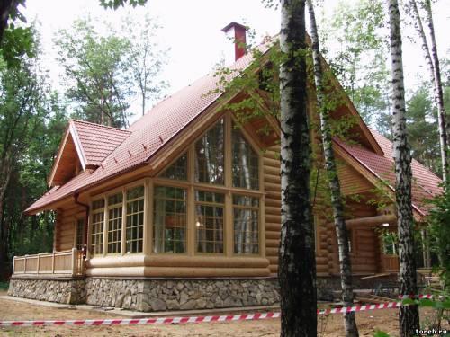 Фасады домов из дерева